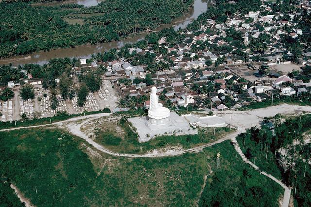 Nha Trang Buddha 1969 - Tượng Kim Thân Phật Tổ