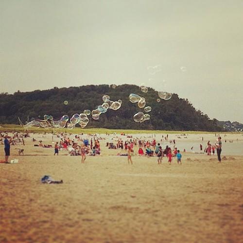the bubble man! making giant magic beach bubbles!