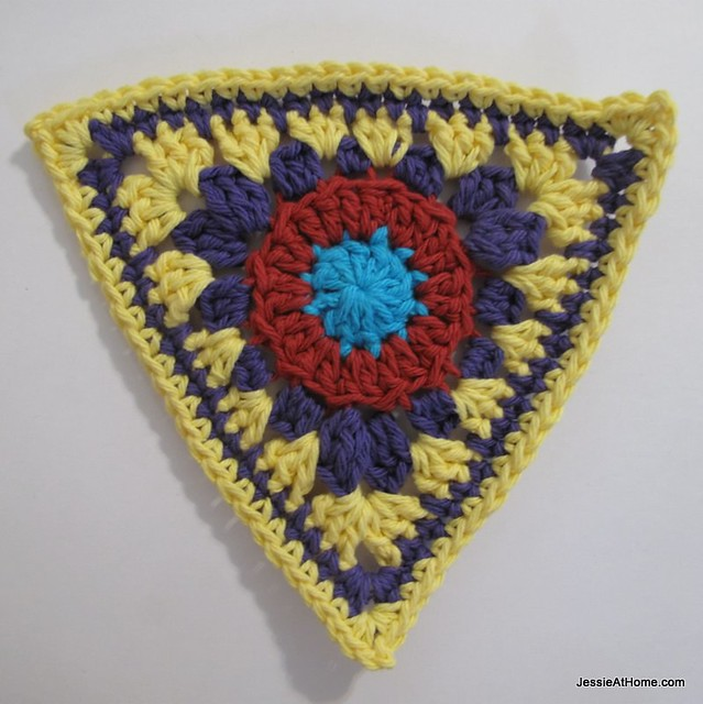 circle-to-triangle-bunting-round-six