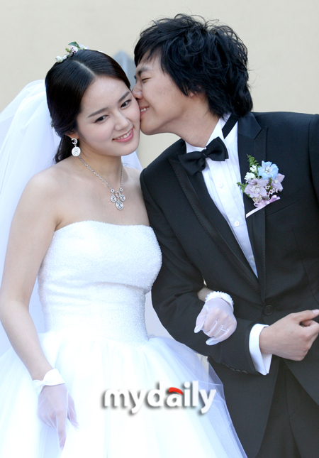 KOREAN ACTORS MARRIED (4)