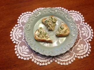 crab-toast-with-lemon-aioli lisa