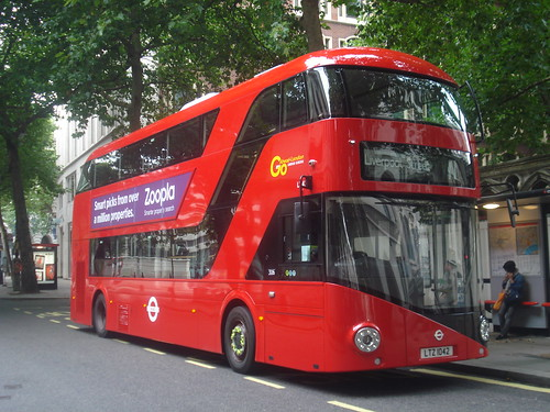 London General LT42 on Route 11, Aldwych (broken down)