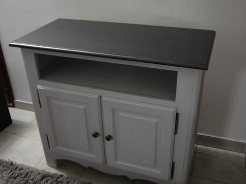 Table basse et meuble t l relook s peinture design touch fourchettes et - Repeindre un meuble ancien ...
