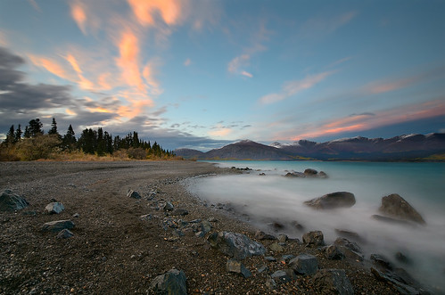 autumn lake windy september yukon glacial kluanelake rubyrange northerncanada congdoncreek cultusbay