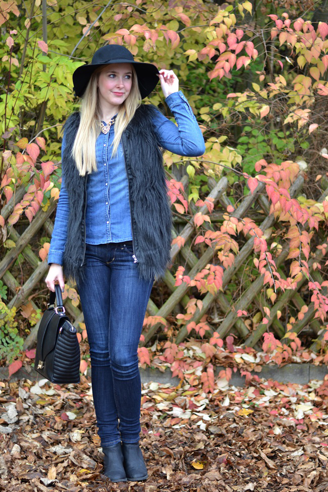 Outfit Denim und Fellweste (2)