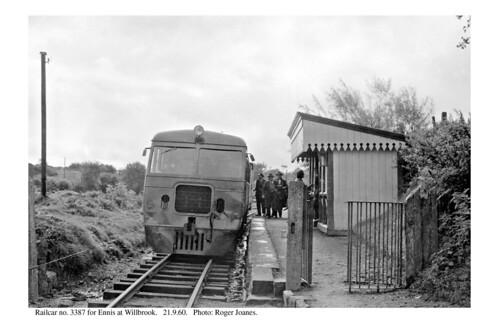 Willbrook. Railcar 3387 for Ennis. 21.9.60