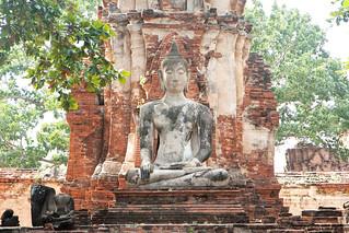 Image of Wat Phra Mahathat near Phra Nakhon Si Ayutthaya. thailand asia southeastasia december buddha christmasday ayutthaya 泰国 watphramahathat ราชอาณาจักรไทย ประเทศไทย ayudhya 2013 พระนครศรีอยุธยา canonefs1755mmf28isusm canon450d phranakhonsiayutthaya