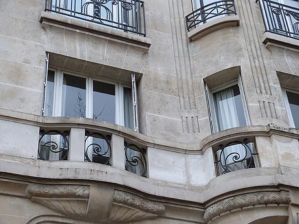 balcons, volutes