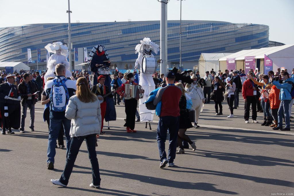 Олимпийский парк. Бродячие артисты