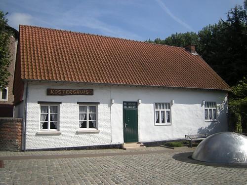 Kostershuis, Dormaal