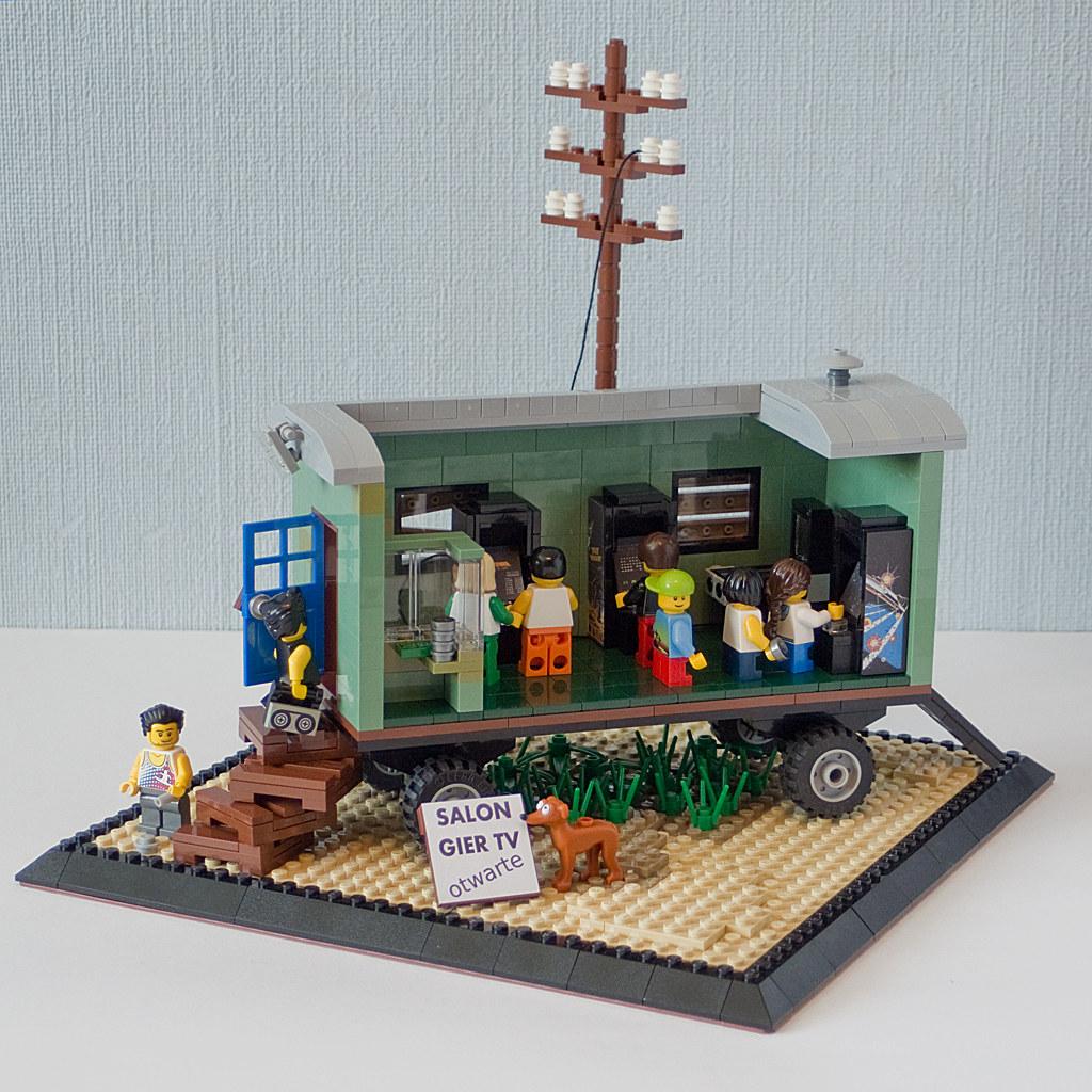 Retro arcades (custom built Lego model)