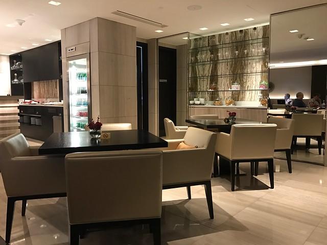 Lounge - Sheraton Grand Hotel Dubai