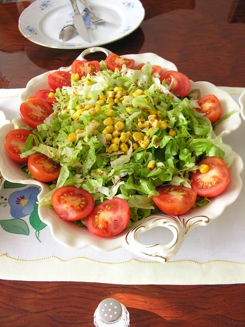 Salatalar, Bir Öğle Masamız