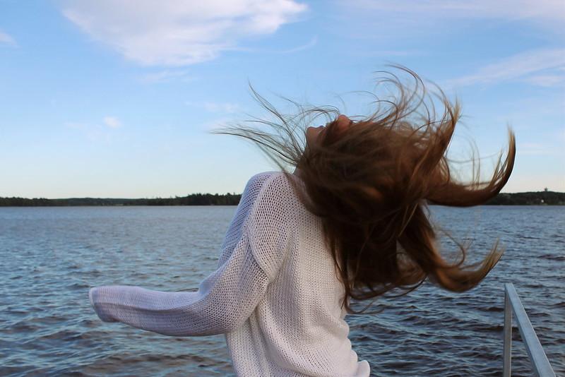 hiuksetlentää
