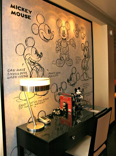 Mickey Penthouse writing desk