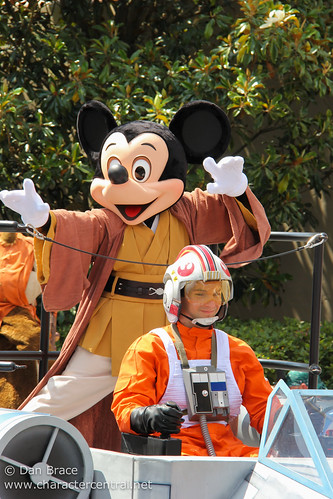 Legends of the Force Motorcade and Celebrity Welcome