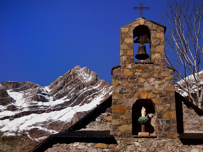 6. Detalle de la Ermita Nuestra Señora de Pineta. Autor, Titoalfredo