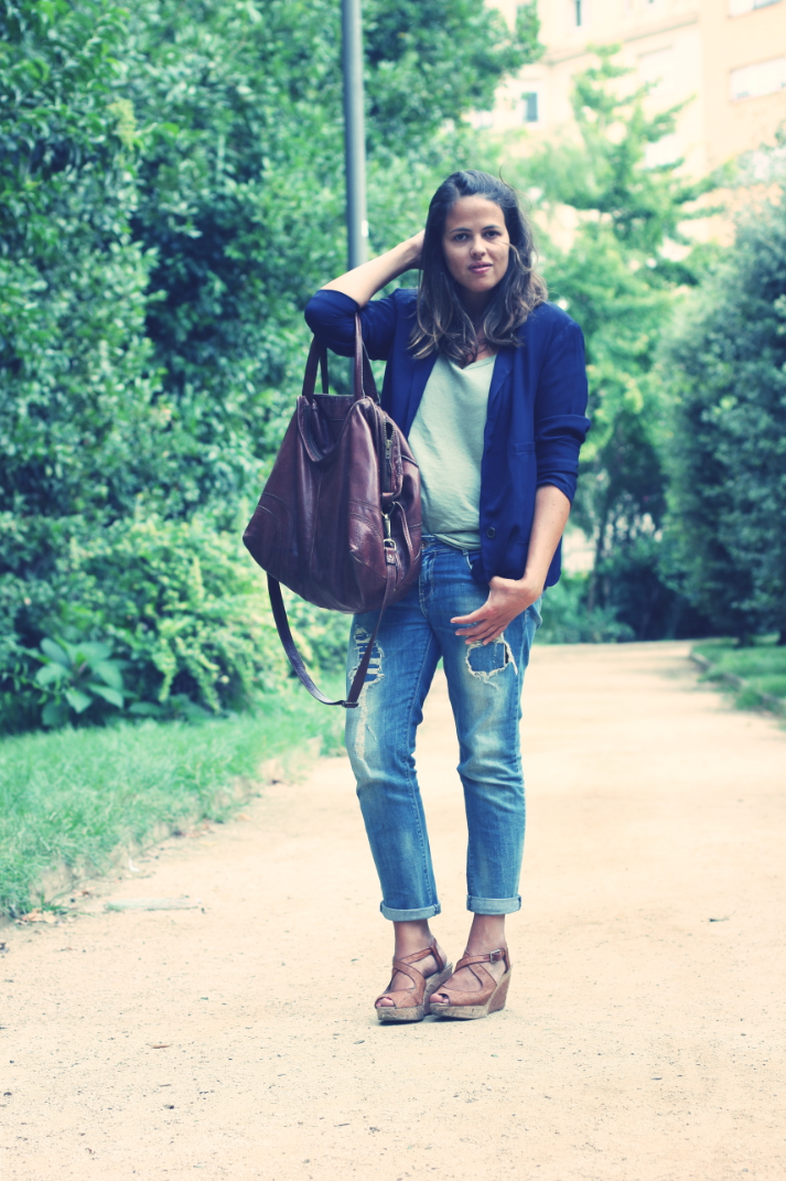 Look Blue blazer + green shirt