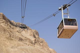 Israel_Aereal_Ropeway_Masada_BW_1