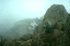 Sommet du Saltare dans le froid, la brume et le vent