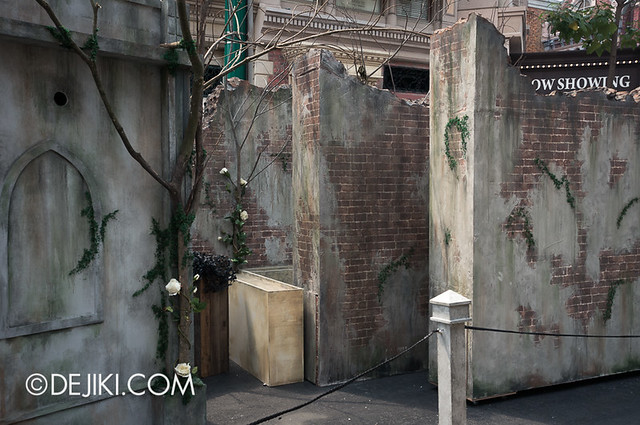 HHN3 Before Dark 2 - Attack of the Vampires - Walls 2