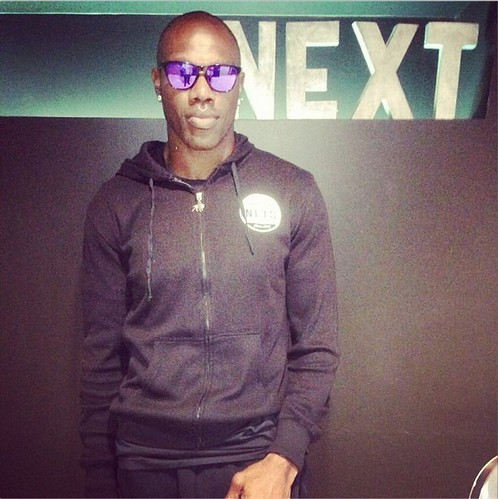 Terrell Owens In Sportiqe Brooklyn Nets Apparel