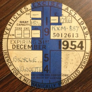 GREAT BRITAIN 1954 ---MOTORCYCLE TAX DISK FOR LICENSE PLATE #KXM887