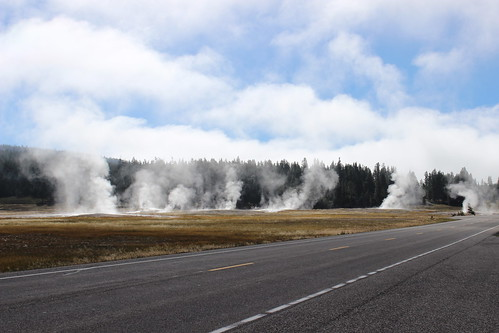 IMG_2036_Steam_at_Yellowstone_NP