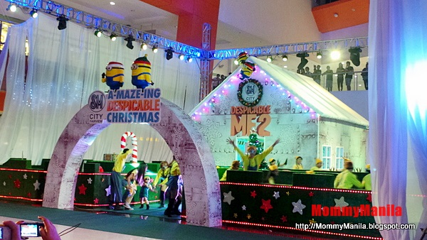 Amazing Despicable Christmas at SM City Fairview, by LivingMarjorney on Flickr