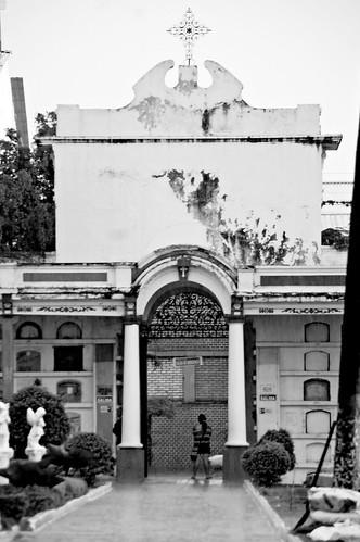 Cementerio central de Buga by Que la tierra te sea leve