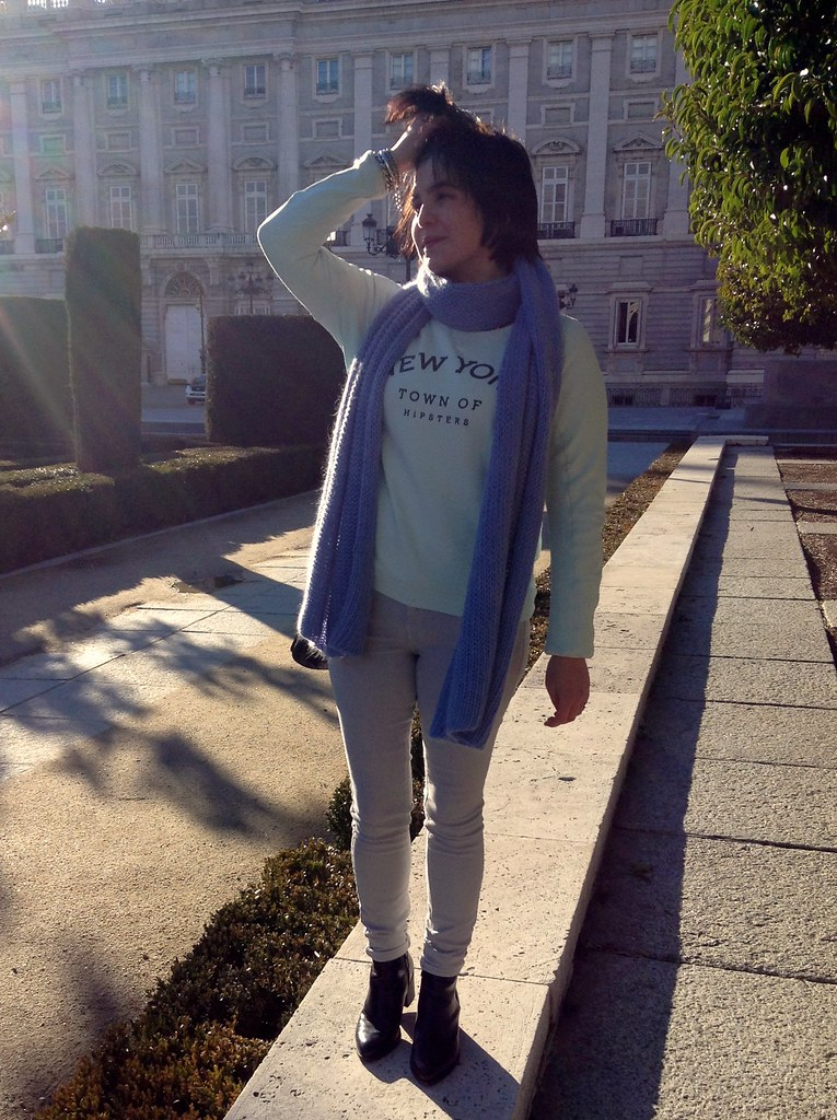 Palacio Real, Madrid, España: Outfit of the day - Zara