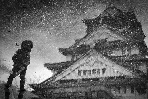 A GIRL MEETS CASTLE(大阪城) by 濱田 晃弘 (Akihiro Hamada)