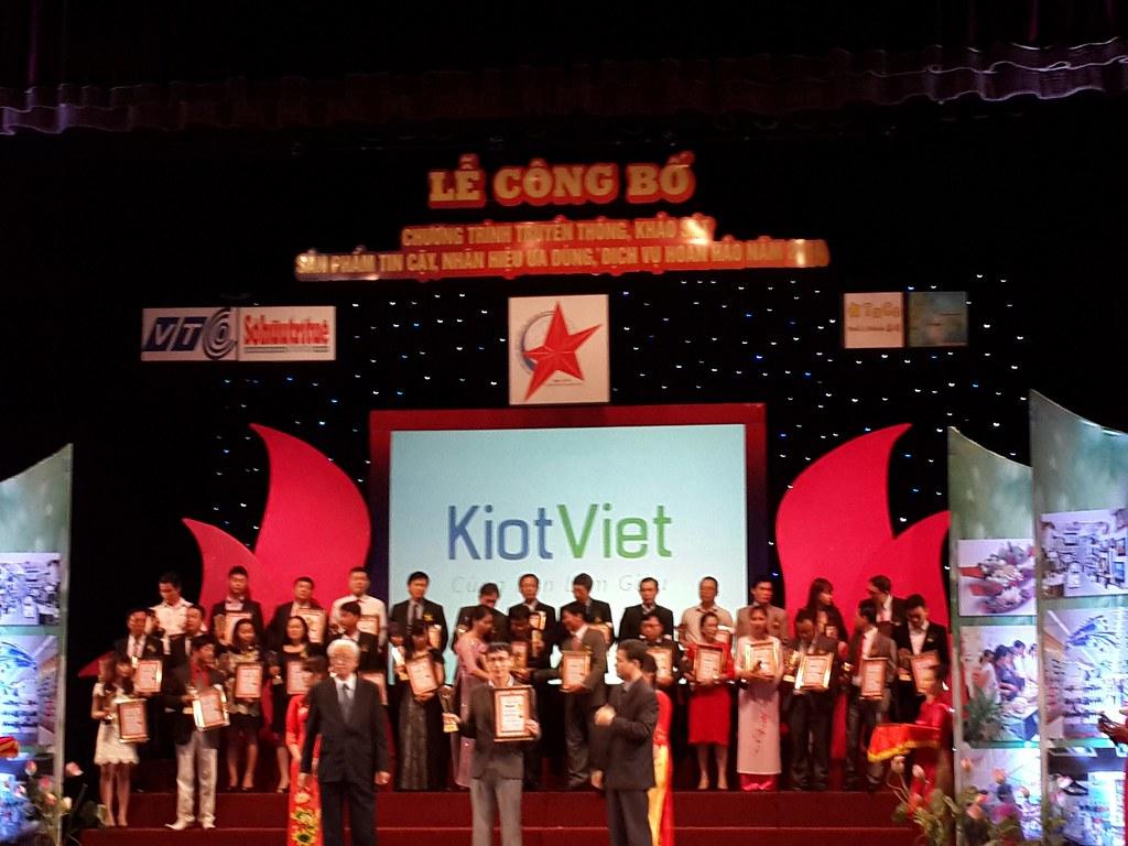 KiotViet vinh dự nhận Cúp vàng Sản phẩm tin cậy 2014