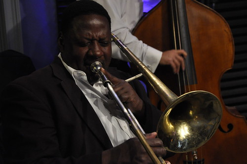 Robert Harris performs with Frank Oxley and the Joint Chiefs of Jazz.  Photos by Leona Strassberg Steiner.