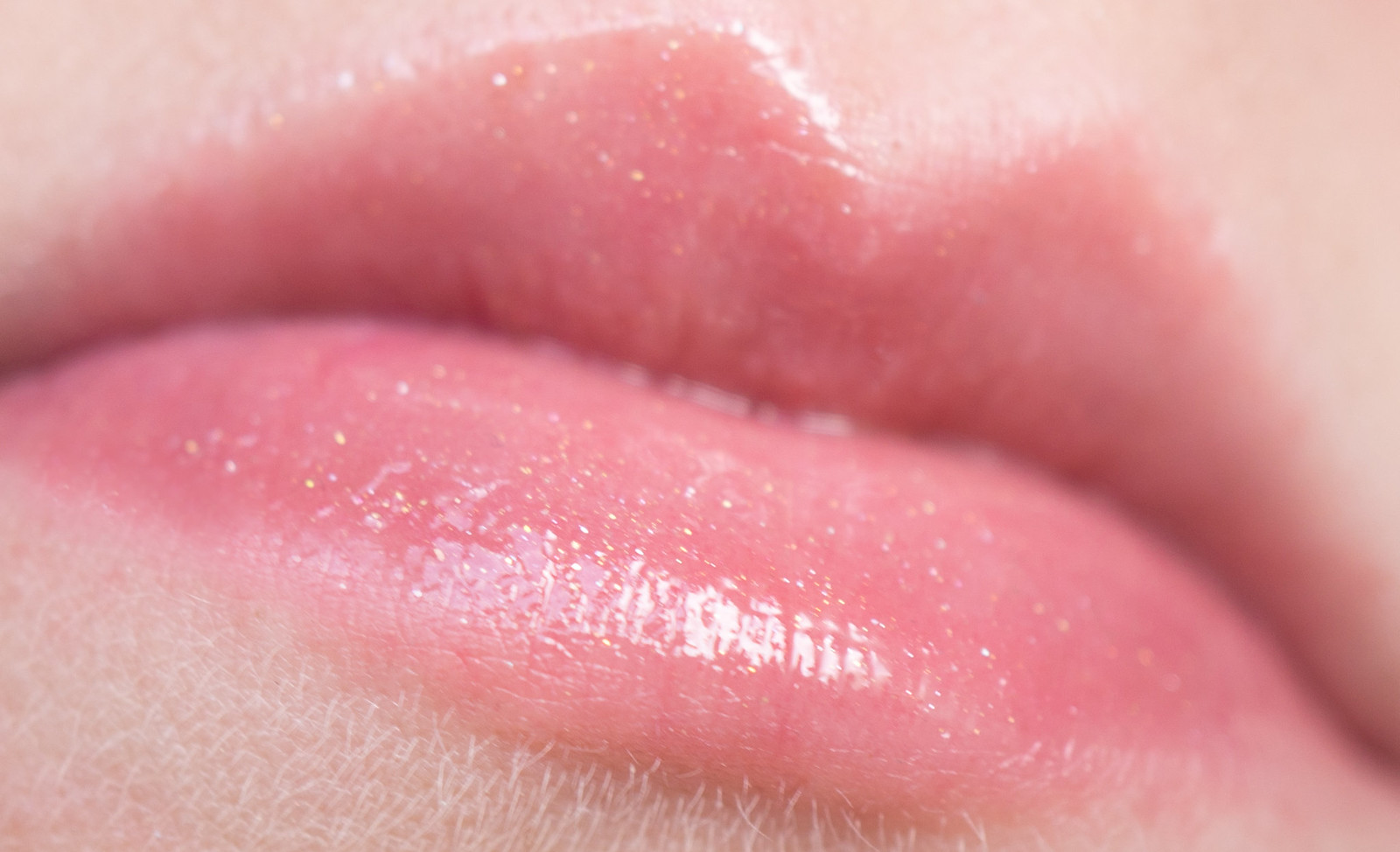 Chanel Rouge Coco Gloss 774 Excitation