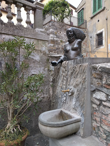 fountain in Castellina in Chianti