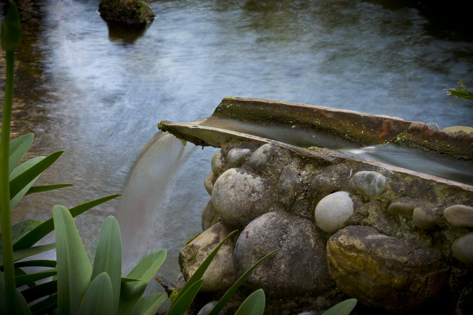 Cascata laghetto da giardino forum playerdue lighting - Laghetto con cascata da giardino ...