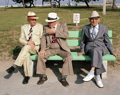 3_Men_on_Bench