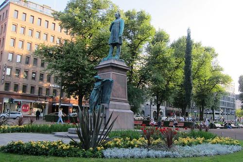 Runebergin Esplanaadilla by Anna Amnell
