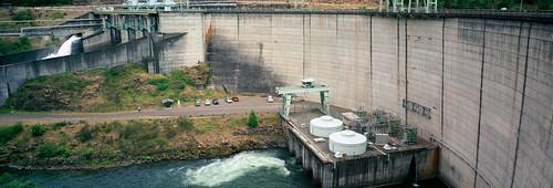 film oregon analog dam pano panoramic pacificnorthwest powerhouse turbines hydroelectric estacada 6x17 northforkdam bluemooncamera damscape fujig617