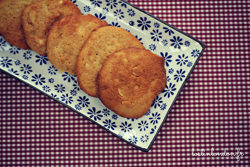 sweet and salty peanut biscuits