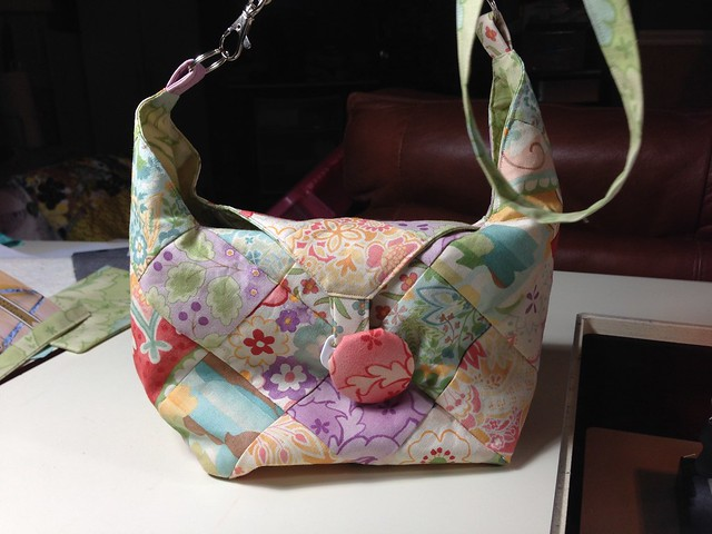 Bitty bag by quiltsmart