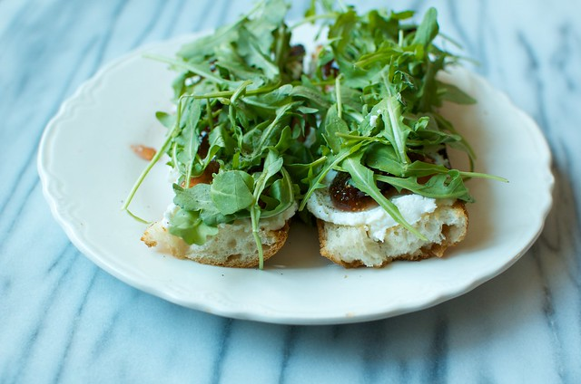 baguette with ricotta, fig jam, arugula