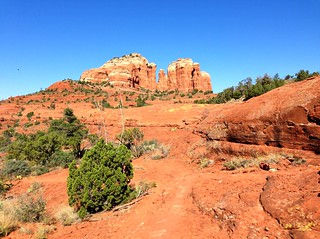 Mountain biking the Hi Line Trail near Sedona, Arizona | by TRAILSOURCE.COM
