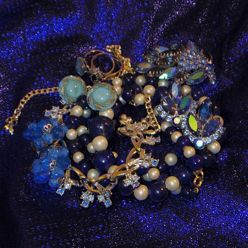 Of all the vintage sparkles I have, most of them are #blue! Last day of #q7weeksofcolour - thanks for watching! #nofilter