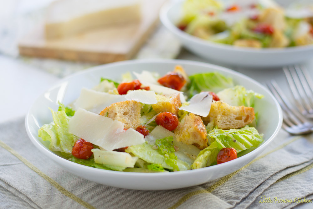 Classic Caesar Salad for #SundaySupper via LittleFerraroKitchen.com