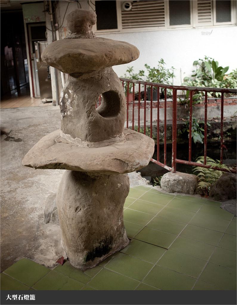 大型石燈籠