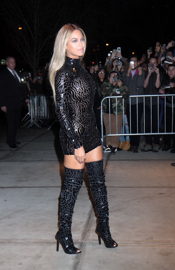 Beyonce Stuns In Skintight Minidress And Thigh High Boots