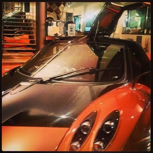 Orange Pagani Zonda: Marbella Orange, Black/Oran Interior