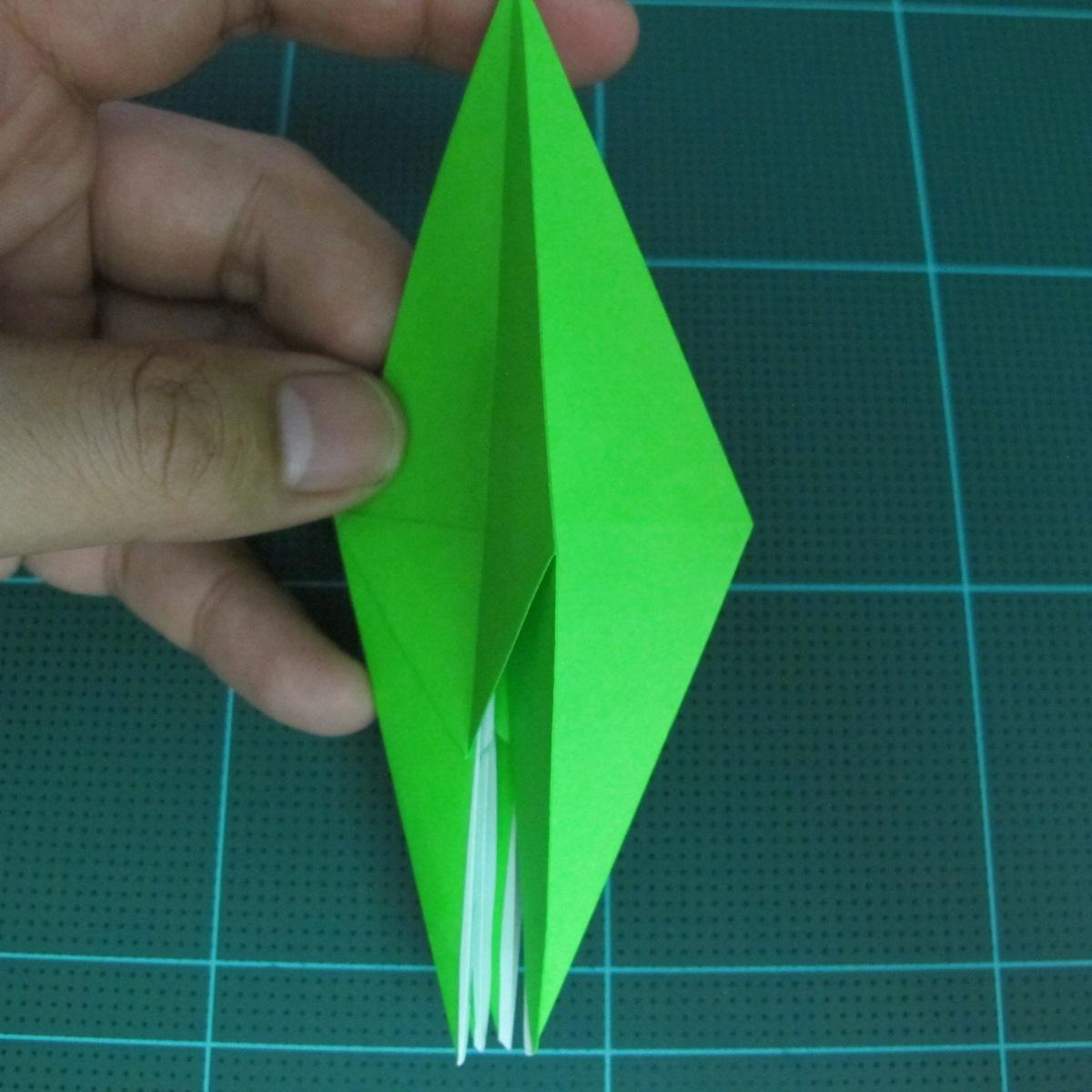 วิธีพับกระดาษเป็นจรวด X-WING สตาร์วอร์ (Origami X-WING) 021
